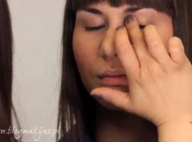Jak wykorzystać złoto i róż w makijażu