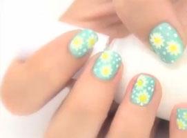 Jak zrobić wiosenne kwiatki na paznokciach