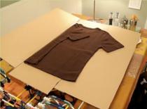 Jak zrobić urządzenie do składania koszulek