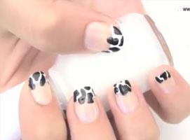 Jak pomalować paznokcie we wzorek czarnych łat krowy