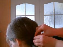 Jak wykonać klasyczne i eleganckie upięcie włosów