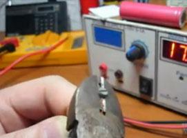 Jak zrobić magnetyczny śrubokręt