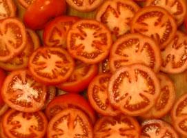 Jak zrobić pomidorową zupę krem z bazylią i serem feta