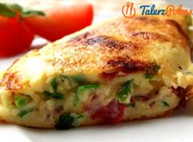 Jak zrobić omlet z salami i żółtym serem