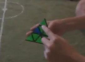 Jak układać kostkę pyraminx
