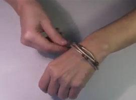 Jak zrobić skórzana bransoletkę z zawieszką