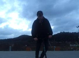 Jak zrobić obrót 180 i 360 na hulajnodze