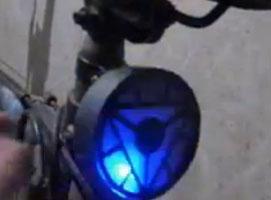Jak zrobić reaktor łukowy Iron Man ze światełka rowerowego