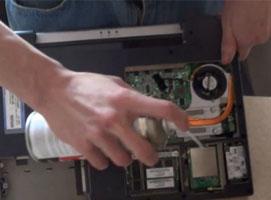 Jak wyczyścić notebook FSC AMILO L7310GW