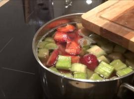Jak zrobić kompot rabarbarowo truskawkowy