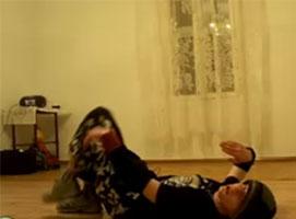 Jak wykonać kick up (sprężynka) w breakdance