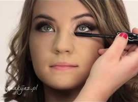 Jak wykonać makijaż na wieczór w kolorach złota i miedzi