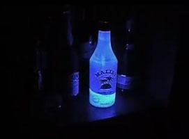 Jak zrobić ozdobę do barku pod szklaną butelkę