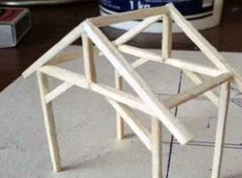 Jak zbudować makietę kolejową - drewniana wiata