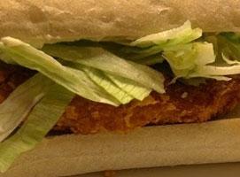 Jak zrobić kanapkę z panierowanym kurczakiem a'la Zinger