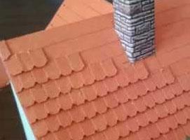 Jak zbudować makietę kolejową - dachówka na budynku