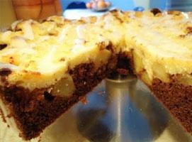 Jak zrobić czekoladowego smakusia z jabłkami i serem