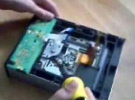 Jak wyjąć laser z nagrywarki DVD