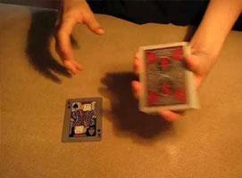 Jak wykonać trik z zamianą karty na oczach widza