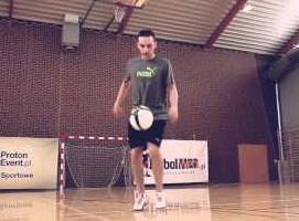 Jak opanować triki freestyle Football - Crossover
