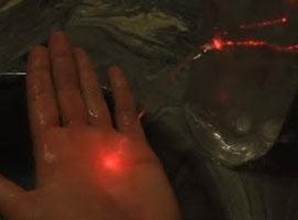 Jak wykonać proste doświadczenie z załamaniem światła (refrakcja)