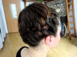 Jak zrobić z włosów koronę na głowie