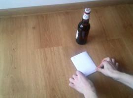 Jak otworzyć piwo kartką papieru