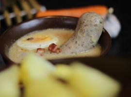 Jak zrobić żurek z jajkiem, boczkiem i kiełbasą