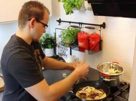 Jak zrobić kurczaka w śmietanowym sosie z pesto i szparagami