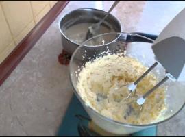 Jak zrobić krem miodowy z kaszą manną