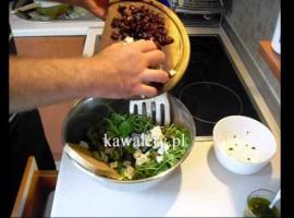 Jak zrobić sałatkę z rukoli i kurczaka