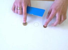 Jak wykonać doświadczenie z monetami zderzanymi centralnie