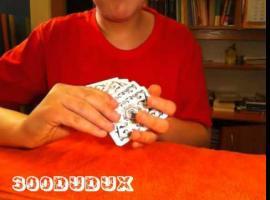 Jak wykonać interaktywną sztuczkę z kartami