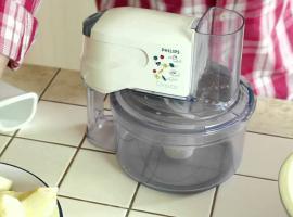 Jak zrobić racuchy z kwaśnym mlekiem i jabłkami