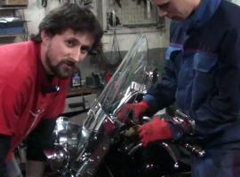 Jak nasmarować linkę w motocyklu