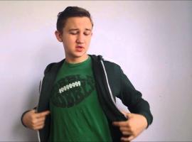 Jak wykonać trik z zamianą koszulki