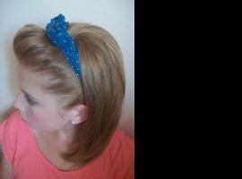 Jak wykonać prostą i szybką fryzurę w stylu Pin Up