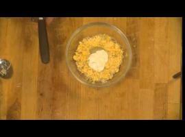 Jak zrobić pastę z żółtego sera
