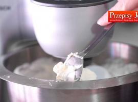 Jak zrobićtrwałą bitą śmietanędo tortów i deserów