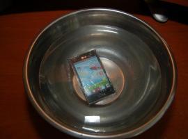 Jak zrobić wodoodporny telefon