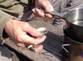 Jak zrobić kuchenkę z metalowego kubka