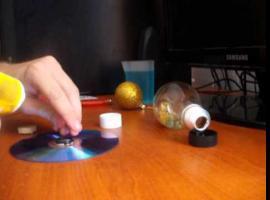 Jak zrobić niebieską lampkę wodną