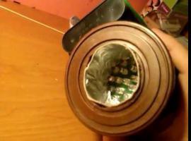 Jak zrobić latarkę z puszki i baterii
