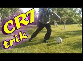 Jak wykonać zwód piłkarski jedną nogą