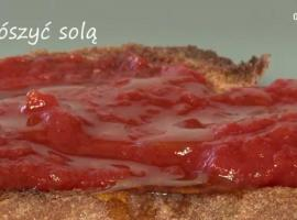 Jak zrobić chleb pomidorowy - pomysł na proste śniadanie