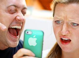Jak wykonać 5 nieszkodliwych żartów z telefonami znajomych