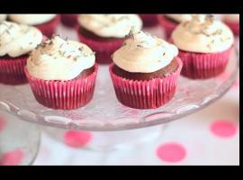 Jak zrobić babeczki czekoladowe z bitą śmietaną