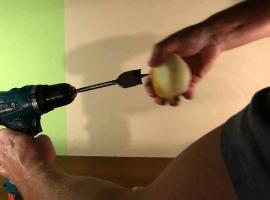 Jak obrać jabłko w 3 sekundy - hit w kuchni