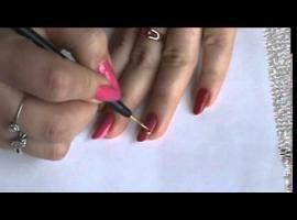 Jak ozdobić paznokcie przy pomocy pasków samoprzylepnych