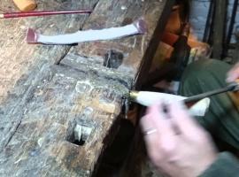 Jak wykonać wykończenie drewnianej rękojeści noża